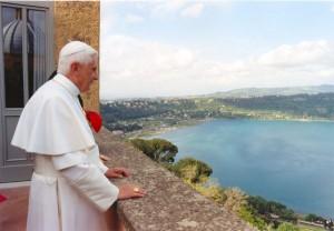 Бенедикт XVI в Кастель-Гандольфо