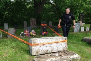 В Квебеке осквернено католическое кладбище