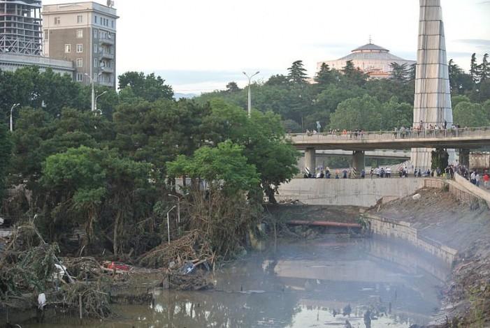 О. Михаил Сурмава о последствиях наводнения в Тбилиси: люди помогают, не дожидаясь ничьей команды