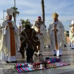 Совместное богослужение католических епископов и индейского шамана в диоцезе Сан-Маркос-де-Арики (Чили)