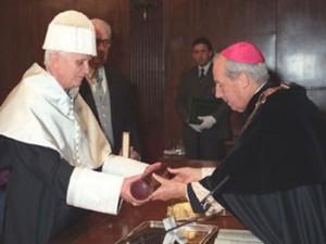 Бенедикт XVI получит докторат honoris causa