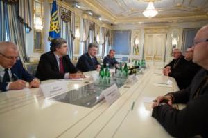 Петр Порошенко встретился с представителями Вселенского Патриархата