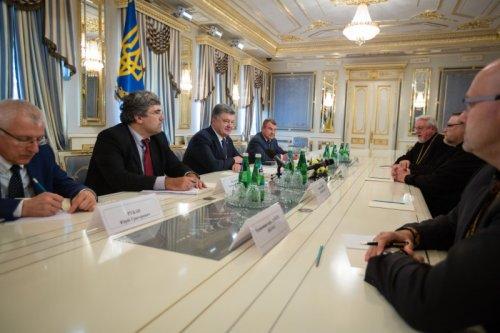 Президент Украины заявил о стремлении украинцев к созданию единой поместной Церкви