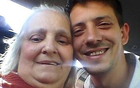 Сестра Хорхе Марио Бергольо Мария Елена и ее сын Хосе Игнасио
