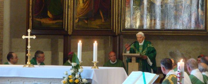 Бенедикт XVI служит Мессу 30 августа 2015 года