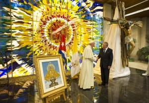 Подарок кубинцев: крест из вёсел