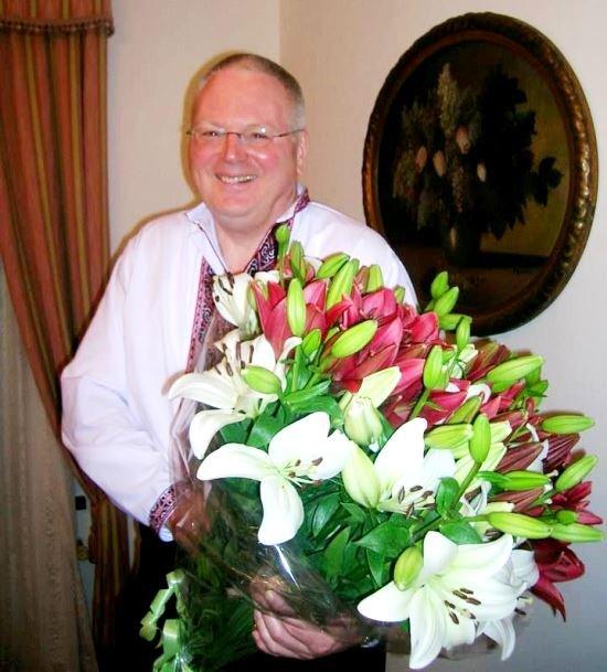 Апостольского нунция в Украине архиепископа Томаса Галликсона переводят в Швейцарию