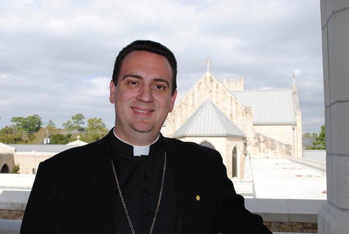 Назначен первый епископ ординариата для бывших англикан