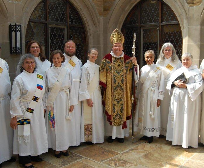 Франциск создаст комиссию для изучения возможности допуска женщин к диаконату