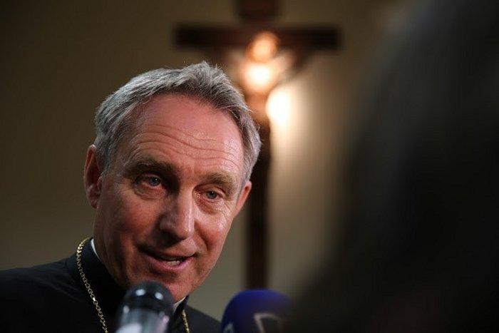 Архиепископ Генсвайн: Бенедикт XVI преобразовал Петрово служение