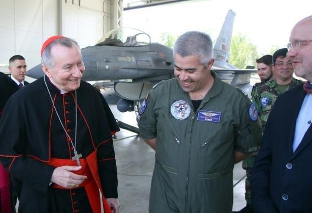Государственный секретарь Ватикана посетил миссию НАТО в Литве