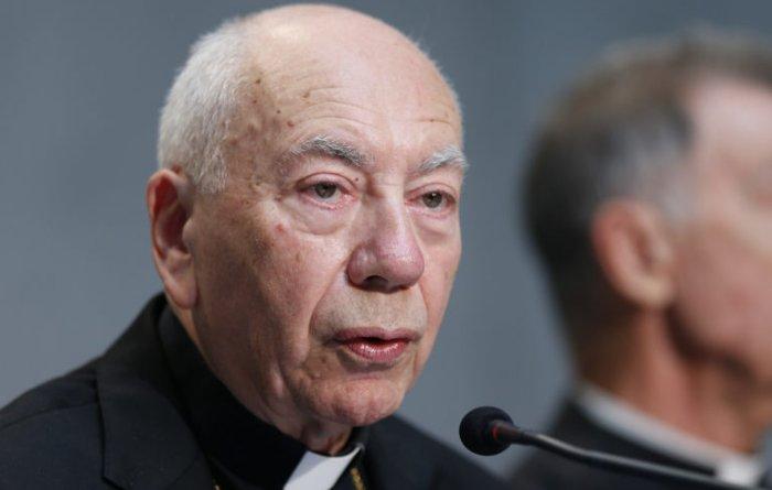 Кардинал Коккопальмерио: Разведенные могут принимать Причастие, если воздержание «невозможно»